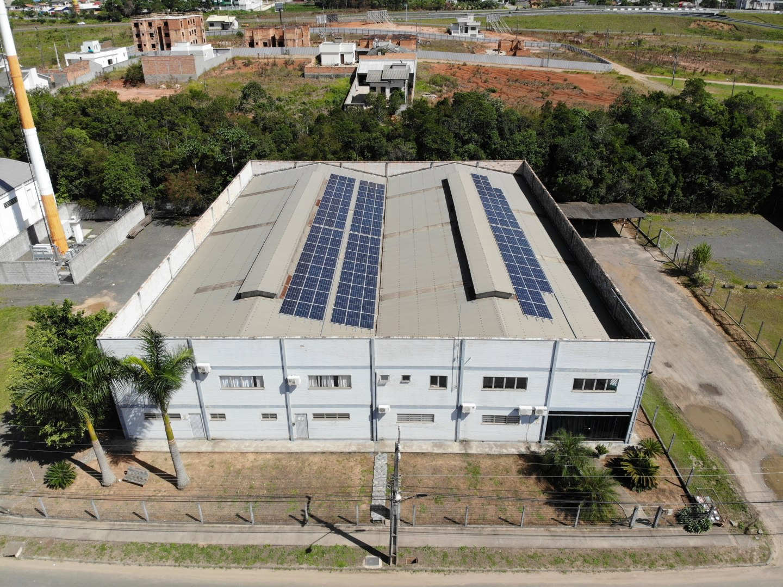 Painéis solares em industria de Criciúma / SC